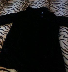 пальто демисезонное. черное.сделано под каракуль.