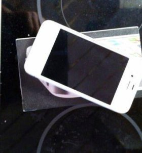 iPhone 4, white