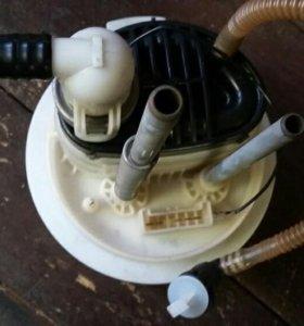 На Passat B6 бензиновый фильтр