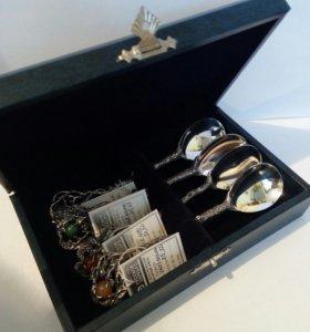 Набор серебряных ложек