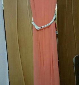 Платье в пол, нежно персикового цвета,белый плетен