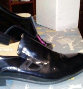 Туфли лаковые мужские