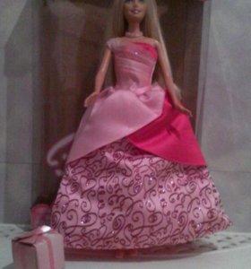 Кукла Барби в платье