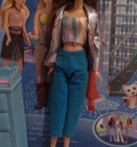 Барби с шкафчиком