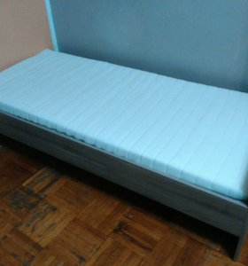 Продам кровать Тодален  с матрасом Малфорс (Икеа)