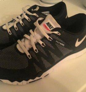 Кроссовки Nike free 5.0 tr