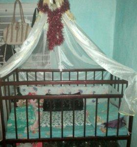 Детская кроватка, матрас и балдахин