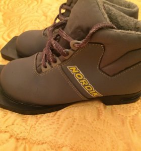 Лыжные ботинки, 32 р-р,Nordik под крепление NN75мм
