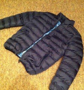 Куртка теплая и легкая новая