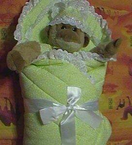 Одеяло-конверт на выписку с лентой