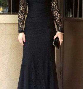Платья черная