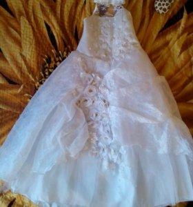 Красивое платьице