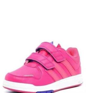 Кроссовки Adidas 32.33.34.36