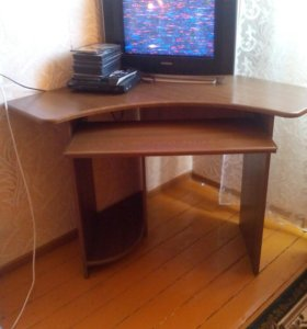 Продам стол новый компьютерный