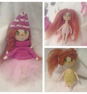 Куколка с гардеробом