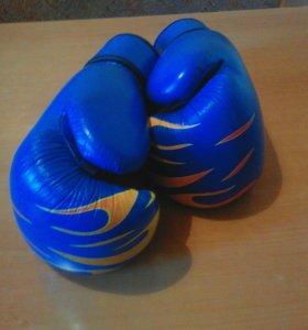 Перчатки бокс.