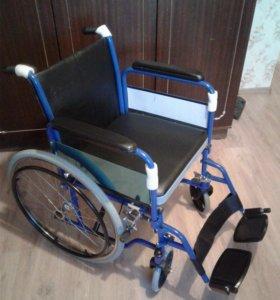 Кресло-коляска с санитарным оснащением  KY681