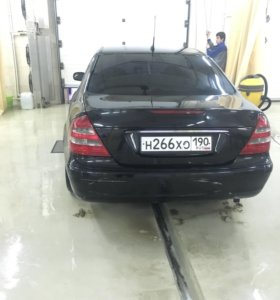 Мерседес  W211