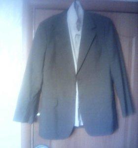 Пиджак с рубашкои