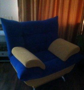 Продам два одинаковых кресла