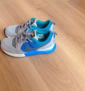 Новые кроссовки Nike lunarlon PEG 89