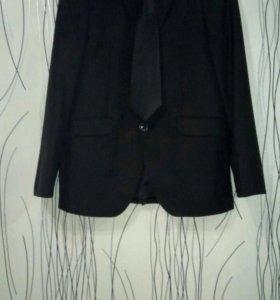Продаю пиджак