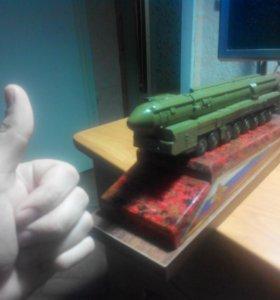 Макет ракеты Ярс