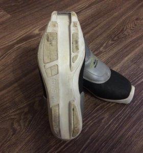 Лыжные ботинки размер 34