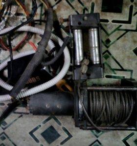 Автомобильная электрическая лебёдка 2,5 т