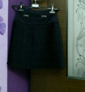 Темно-синяя школьная юбка