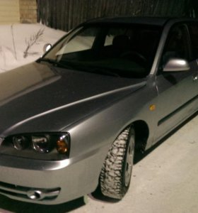 Hyundai Elantra. 2003г.
