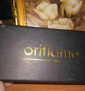 Подарочная золотая ручка oriflame