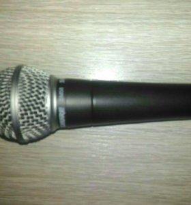 Профессиональный микрофон SHURE SM58