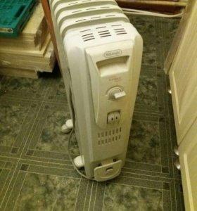 Масляный радиатор DeLonghi Radia