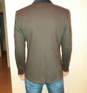 Продаю пиджак 50 размер
