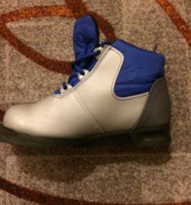 Лыжные ботинки детские размер 31
