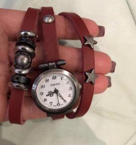 Часы на ремешке из натуральной кожи