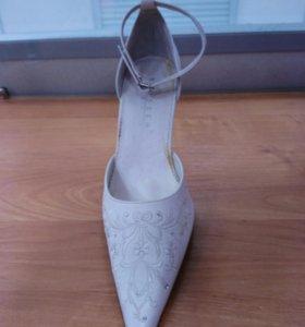 Новые свадебные туфли