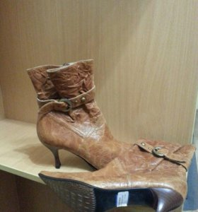 Женские кожаные сапоги 37 размер.