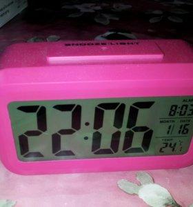 Часы с автоподсветкой (датчик освещения)