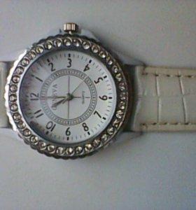 Часы наручные кварц. новые.