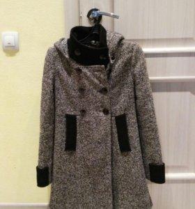 Пальто осеннее зимнее 40 размер