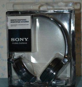 Наушники Sony MDR-V150A