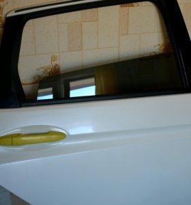 Дверь боковая задняя правая на Xonda Fit 3