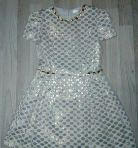Праздничное красивое платье и шубка