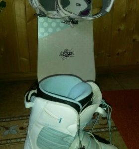 Сноуборд +крепления +ботинки