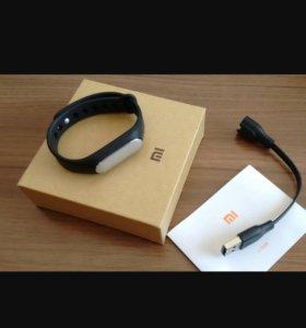 Xiaomi mi band 1s + 2 ремня в подарок