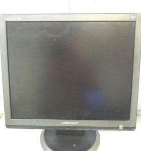 """ЖК-монитор  Samsung 19"""""""