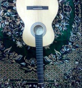 Гитара шестиструнная классическая