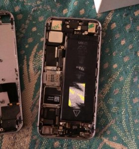 Айфон 5s на запчасти ,плата заблокированна